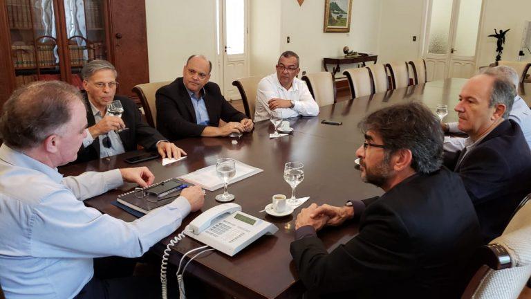 Governador do ES recebe a Acomac-ES/Sindmat no Palácio Anchieta